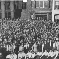Group photograph of employees of the United Shoe Machinery Company