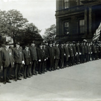 Civil War veterans in Lane of Honor for European War Draft Divisions, City Hall, May 10, 1918