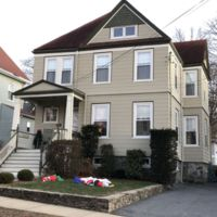 Colonial house : 105 Beech Avenue