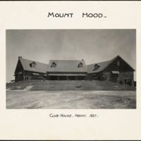 Mount Hood : clubhouse front