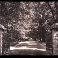 Oak_Hill_entrance_2.jpg