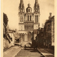 Postcard: Angers - Cathedrale et montee Saint-Maurice