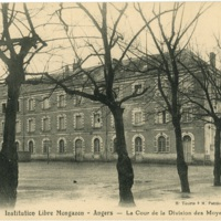 Postcard: Angers - Institution libre Mongazon (2)