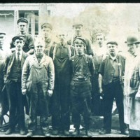 G.E. men who built steam car, Saugus