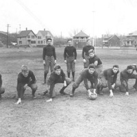 Swampscott High School football team, 1915; offensive formation #2