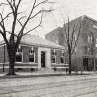 Main Street, between Chestnut and Avon Streets, circa 1905
